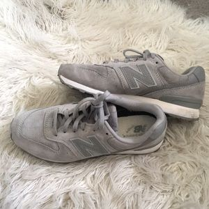 Gray New Balance Sneakers 7